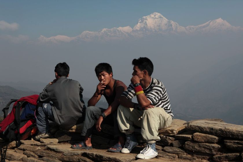 Porters smoking, Annapurna region